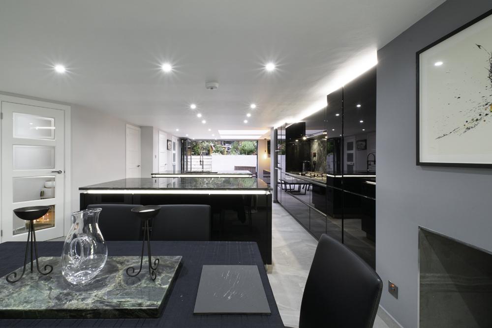 Black gloss kitchen design